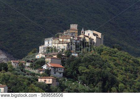 Belmonte Castello, Italy - October 15, 2020: The Village Of Belmonte Castello In The Province Of Fro