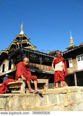 Inle Lake, Myanmar - 10 Jan 2010: Monks In The Temple On The Coast Of Inle Lake, Myanmar