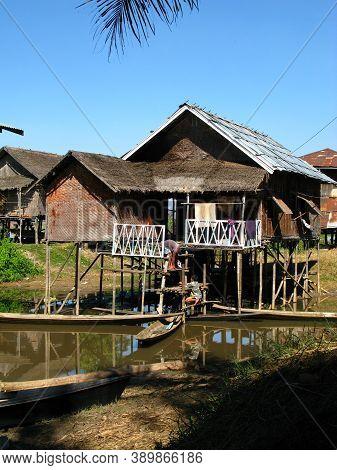 Inle Lake, Myanmar - 10 Jan 2010: The Village On The Coast Of Inle Lake, Myanmar