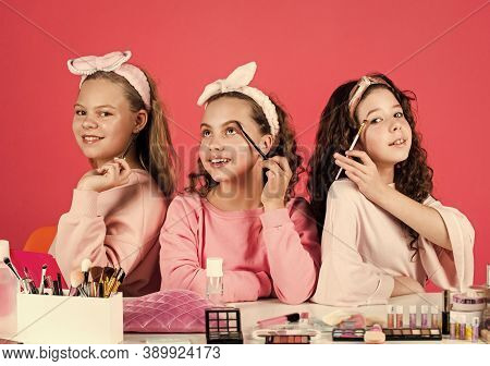 They Are Really Cute. Friendship Party With Cosmetic. Relax And Having Fun. Small Girls In Beauty Sa