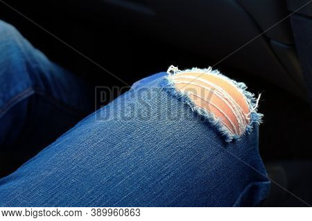 Ripped Jeans Blue, Jeans Torn At The Knee, Fashionable Ripped Jeans