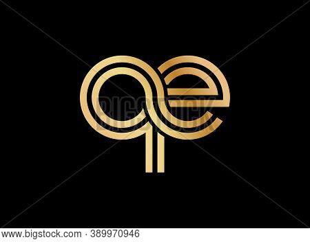 Lowercase Letters Q And E. Flat Bound Design In A Golden Hue For A Logo, Brand, Or Logo. Vector Illu