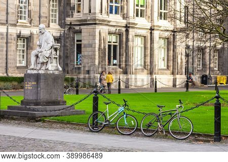 Dublin, Ireland - 10 November 2015: Trinity College Officially The College Of The Holy And Undivided