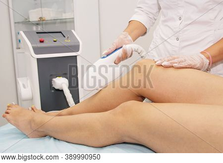 Unwanted Leg Hair Removal By Beautician Professional Laser Removal Equipment