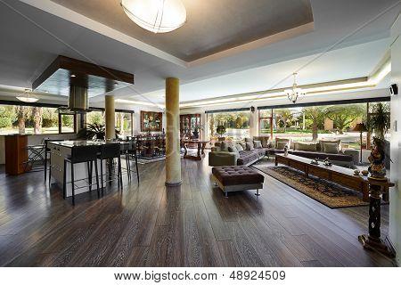 Innenarchitektur: grosses Wohnzimmer