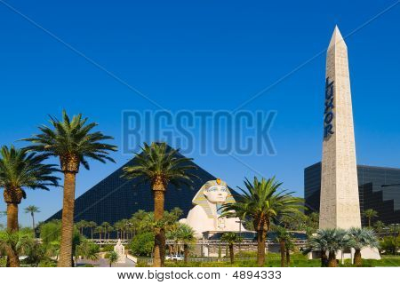 Pyramid Hotel And Casino