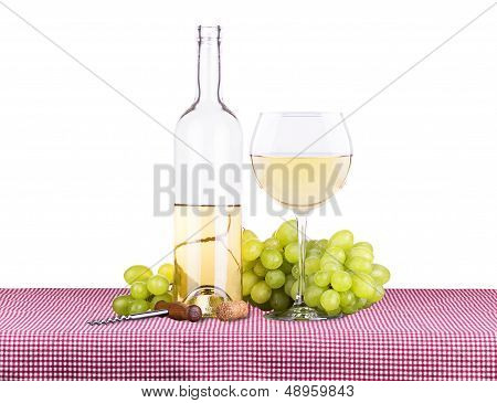 picnic with white wine and grapes