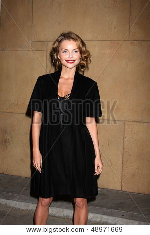 LOS ANGELES - AUG 5:  Izabella Miko arrives at the