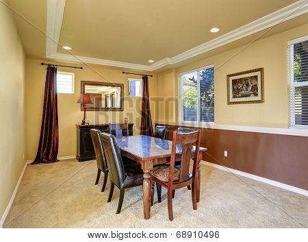Elegant Diining Room Interior In Luxury House