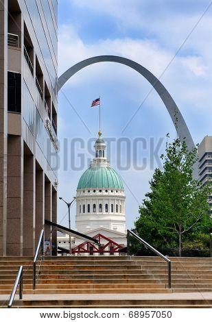 ST. LOUIS, MISSOURI - MAY 19, 2013: The Old Courthouse framed by the Gateway Arch seen from downtown. The Old Courthouse site of the Dred Scott Decision was built in 1864.