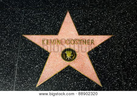 Kevin Costner Star On The Hollywood Walk Of Fame