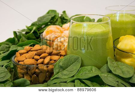Green Smoothies, a Healthy and Tasty Meal