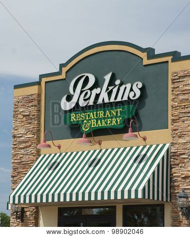 Perkins Restaurant And Bakery Exterior And Logo