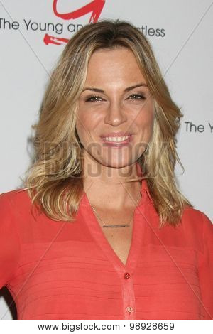 LOS ANGELES - AUG 15:  Kelly Sullivan at the