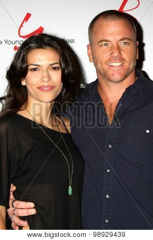 LOS ANGELES - AUG 15:  Sofia Pernas, Sean Carrigan at the