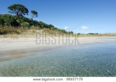 Landscape view of Matai Bay coastline in Karikari peninsula of Northland New Zealand.