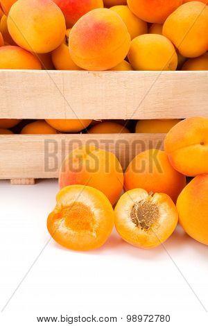 Macro Of Fresh Peaches (prunus Persica) In Wooden Crate