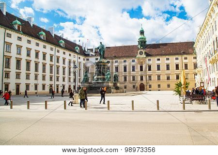 People at Hofburg, Innenhof, Monument of Emperor Franz I, Vienna