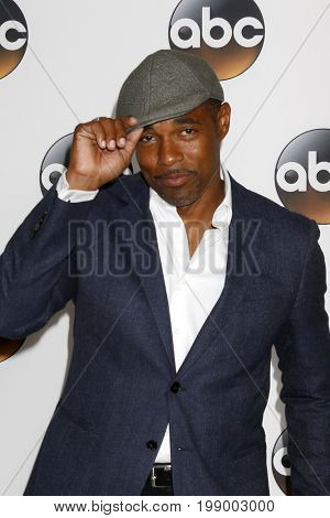LOS ANGELES - AUG 6:  Jason George at the ABC TCA Summer 2017 Party at the Beverly Hilton Hotel on August 6, 2017 in Beverly Hills, CA