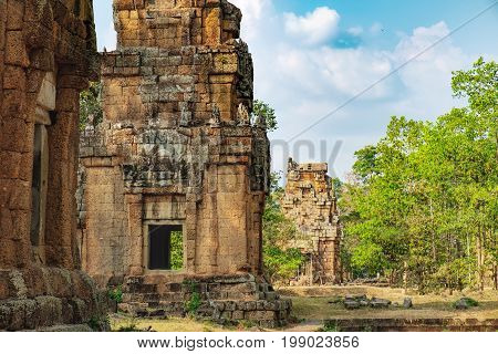 Prasat Suor Prat is located at eastern side of royal square in Angkor Thom right in front of Terrace of Elephants and Terrace of Leper King, Siem Reap, Cambodia. Khmer architecture, World Heritage