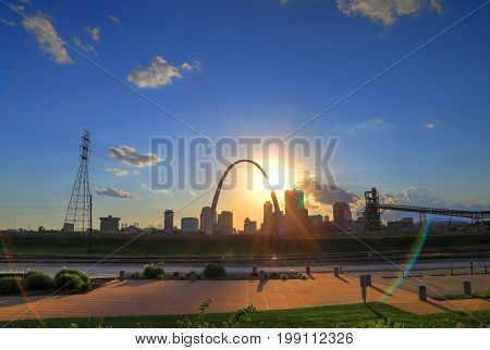 Sunset over the St. Louis Missouri skyline from Malcolm W. Martin Memorial Park.