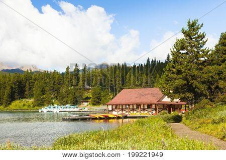 maligne lake  banff  national park west canada british columbia