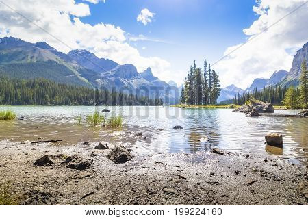 spirit island maligne lake west canada british columbia