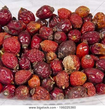 Dried wild rose berries Dried dog rose - an ancient medicine, its medicinal properties were known in Uzbekistan in the XV century.
