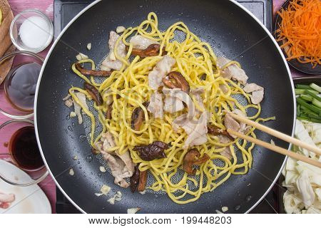 Chef stir fried Yakisoba noodle in pan / cooking Yakisoba (Fried Japanesed noodle) concept