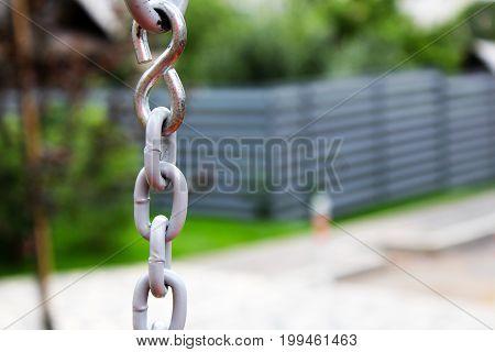 Chains Frame