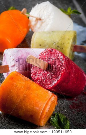Healthy Summer Desserts. Ice Cream Popsicles. Frozen Tropical Juices, Smoothies Blueberries. Currant