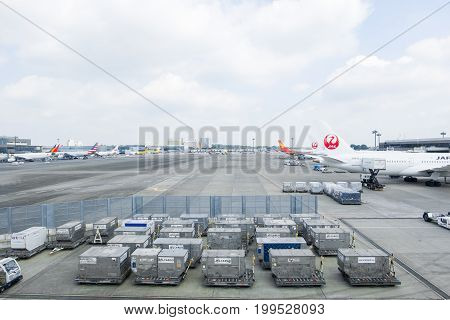 NARITA, JAPAN - JUNE 16 2017 : airplane prepare for boarding passenger at narita international airport terminal 2