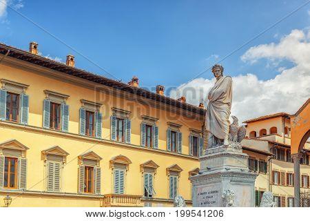 Monument To Dante Alighieri (monumento A Dante Alighieri) On Holy Cross Square (piazza Di Santa Croc