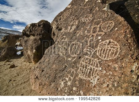 Chigado Petroglyphs along Fish Slough Road in Bishop CA.