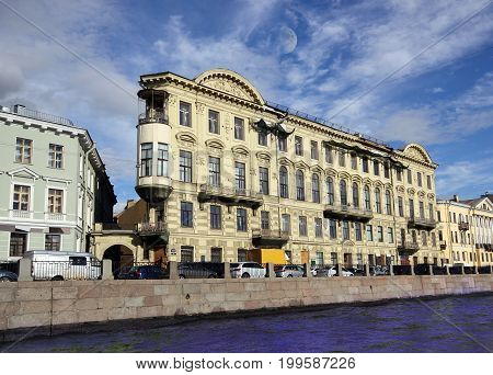 A historic building in the center of Saint Petersburg
