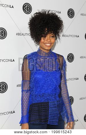 LOS ANGELES - AUG 12:  Yara Shahidi at the 5th Annual Beautycon Festival Los Angeles at the Los Angeles Convention Center on August 12, 2017 in Los Angeles, CA