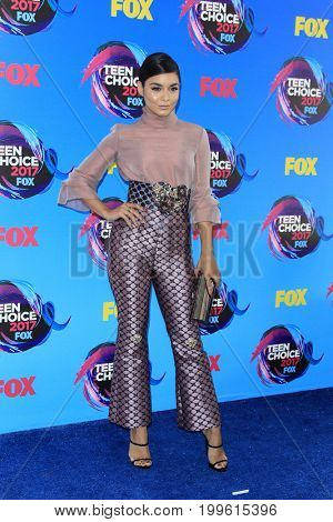 LOS ANGELES - AUG 13:  Vanessa Hudgens at the Teen Choice Awards 2017 at the Galen Center on August 13, 2017 in Los Angeles, CA