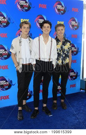 LOS ANGELES - AUG 13:  New Hope Club at the Teen Choice Awards 2017 at the Galen Center on August 13, 2017 in Los Angeles, CA