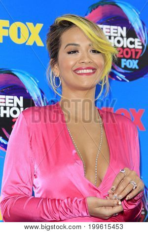 LOS ANGELES - AUG 13:  Rita Ora at the Teen Choice Awards 2017 at the Galen Center on August 13, 2017 in Los Angeles, CA