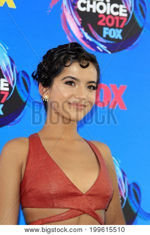 LOS ANGELES - AUG 13:  Isabela Moner at the Teen Choice Awards 2017 at the Galen Center on August 13, 2017 in Los Angeles, CA
