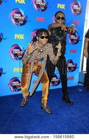 LOS ANGELES - AUG 13:  Swae Lee (L), Slim Jimmy of Rae Sremmurd at the Teen Choice Awards 2017 at the Galen Center on August 13, 2017 in Los Angeles, CA