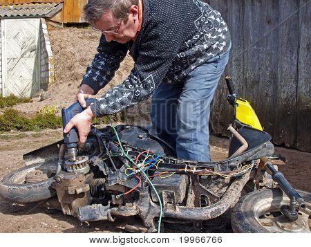 Scooter Repair 2