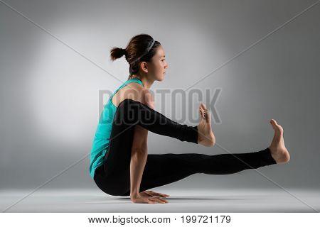 Bodybuilding Female Athlete Hands On Floor