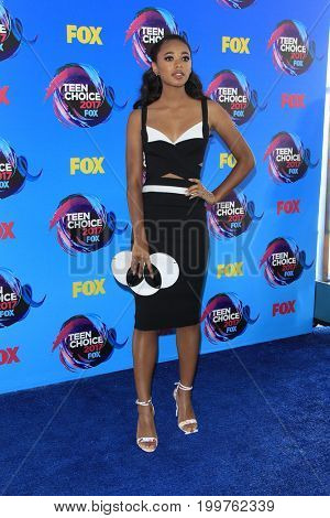 LOS ANGELES - AUG 13:  Chandler Kinney at the Teen Choice Awards 2017 at the Galen Center on August 13, 2017 in Los Angeles, CA