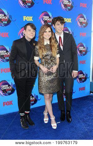 LOS ANGELES - AUG 13:  Jamie Sierota, Sydney Sierota, Noah SIerota, of the band Echosmith at the Teen Choice Awards 2017 at the Galen Center on August 13, 2017 in Los Angeles, CA