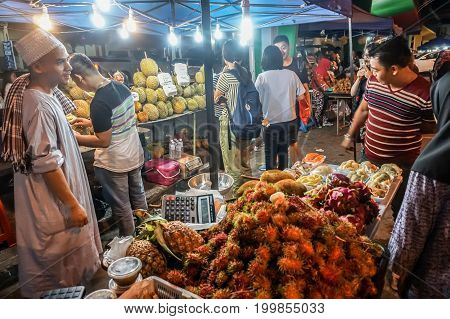 Kota Kinabalu,Sabah-July 20,2017:Durian stall along Segama street & it's right next to KK Plaza in Kota Kinabalu,Sabah,Borneo,Malaysia.One of attraction street food place in Kota Kinabalu,Sabah,Borneo