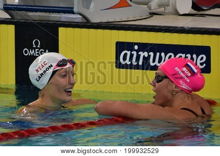 Hong Kong China - Oct 30 2016. LARSON Breeja (USA) and Olympian and world champion swimmer Yulia YEFIMOVA (RUS) after the Women's Breaststroke 200m Final. FINA Swimming World Cup.