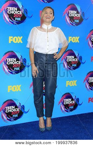 LOS ANGELES - AUG 13:  Candace Cameron Bure at the Teen Choice Awards 2017 at the Galen Center on August 13, 2017 in Los Angeles, CA