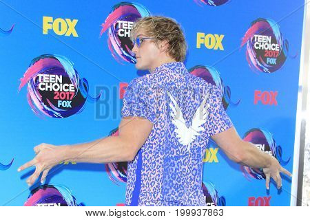 LOS ANGELES - AUG 13:  Logan Paul at the Teen Choice Awards 2017 at the Galen Center on August 13, 2017 in Los Angeles, CA