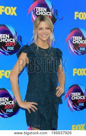 LOS ANGELES - AUG 13:  Kaitlin Olsen at the Teen Choice Awards 2017 at the Galen Center on August 13, 2017 in Los Angeles, CA